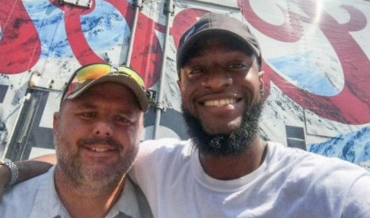 Lo salvaron delanzarse desde un puente ofreciéndole 12 cervezas heladas