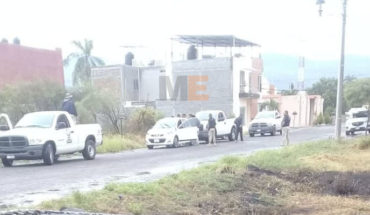 Luego de ser retenidos por sujetos armados y despojados de su vehículo, liberan a dos estudiantes en Apatzingán
