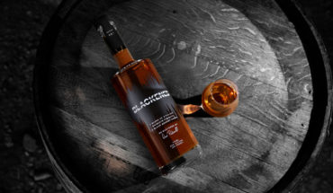 """Metallica lanzará su propio whiskey llamado """"Blackened American Whiskey"""""""