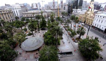 Municipalidad de Santiago afirmó que el comercio ambulante ilegal bajó un 97% en el Casco Histórico