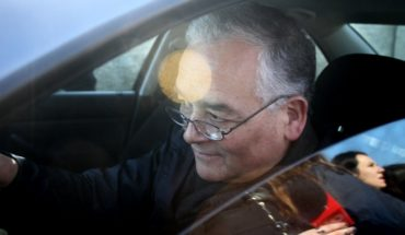 Obispo de Chillán contra la pared: fiscal confirma denuncia por delitos sexuales
