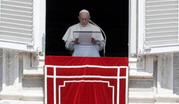 """Papa Francisco reconoció que abusos sexuales por parte de sacerdotes """"fueron ignorados por mucho tiempo"""""""