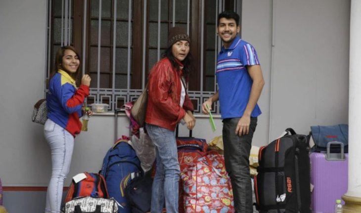 Perú: Migrantes regresan a Venezuela en aerolínea estatal