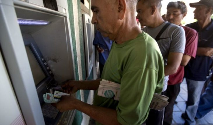 Persiste incertidumbre por medidas económicas en Venezuela
