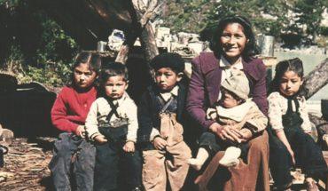 Proyecto rescata patrimonio e identidad de Tortel en exposición con fotografías de la comunidad
