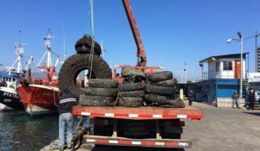 Sacan más de 20 toneladas de desperdicios desde el fondo marino en Coquimbo