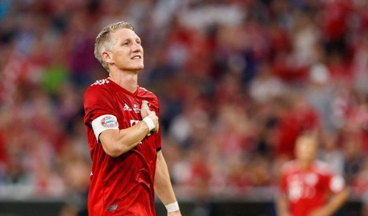 Schweinsteiger se despide del Bayern con una mágica actuación