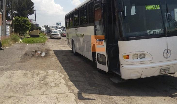 Se registra carambola vehicular en salida de Morelia a Salamanca