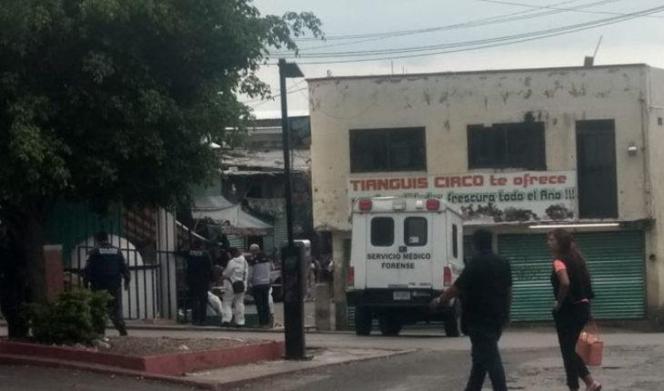 Un muerto y dos heridos deja ataque armado en mercado de Cuernavaca