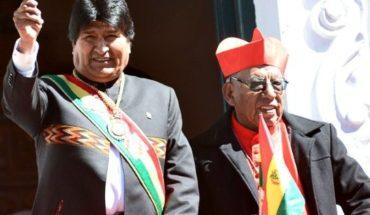 Un prostíbulo y una iglesia: las claves de la desaparición de atributos presidenciales de Evo Morales