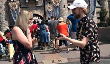 Una pareja se propuso casamiento al mismo tiempo y el video se volvió viral