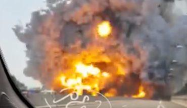 [VIDEO] Captan el momento exacto de una enorme explosión en una autopista de Italia