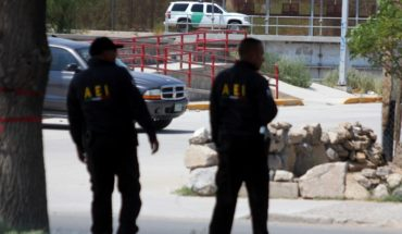 They are murdering six people in a house in Ciudad Juarez
