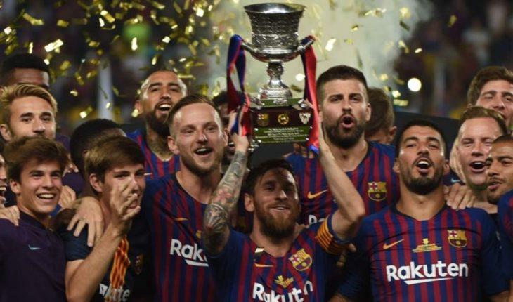 Barcelona win the Supercopa of Spain winning 2-1 to Sevilla