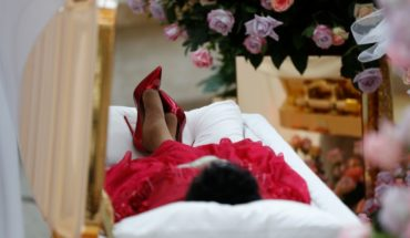 ¿Por qué Aretha Franklin fue vestida de rojo para su funeral?