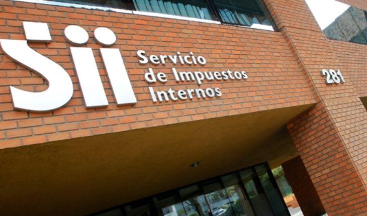 A Piñera se le pone cuesta arriba su Reforma Tributaria: Funcionarios del SII van a paro este miércoles