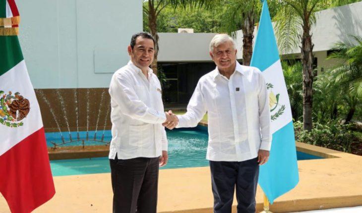 AMLO acuerda con Guatemala plan para frenar migración