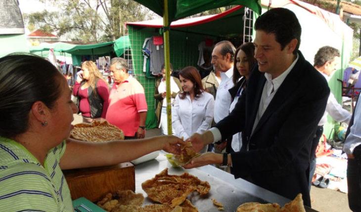 """Alcalde Alfonso Martínez se reúne con la Unión de Comerciantes """"Mártires de Uruapan"""""""