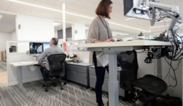 Benefits actually have desktops that let you work standing?