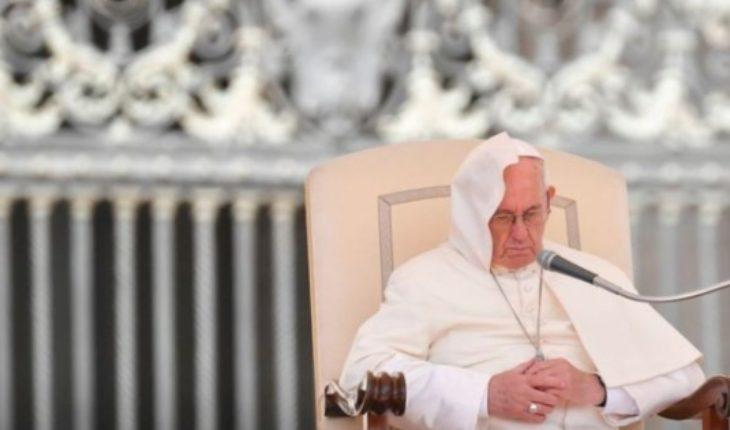 """Cuáles son las dos """"batallas"""" que enfrenta el papa Francisco en medio de una de las mayores crisis de la Iglesia católica moderna"""