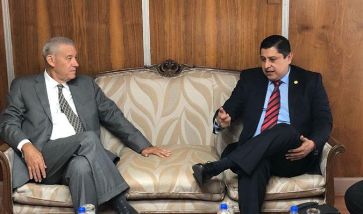 Diputado electo del Distrito 09 de Uruapan se reunión con el embajador de Cuba en México