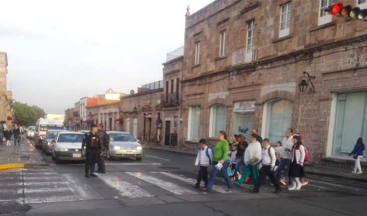 Implemented operating on the occasion of back to school in Morelia, Michoacán