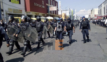 Michoacan police joins the operation to avoid informal trade in the periphery of the independence market