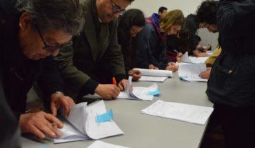 Rector firma acuerdo con estudiantes y pone fin a toma en Upla