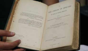 """Sell first edition of """"Origin of species"""" in $272,983"""