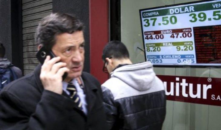 ¿A cuánto cerró el dólar después de los anuncios de Macri y Dujovne?