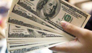 ¿Por qué está bajando el dólar?