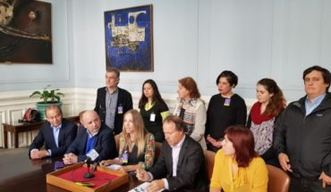"""Ambientalistas y parlamentarios acusan que el Gobierno """"cedió al empresariado"""" al autorizar tronaduras en Isla Riesco"""