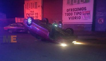 Aparatoso choque deja por fortuna solo daños materiales en Zamora, Michoacán