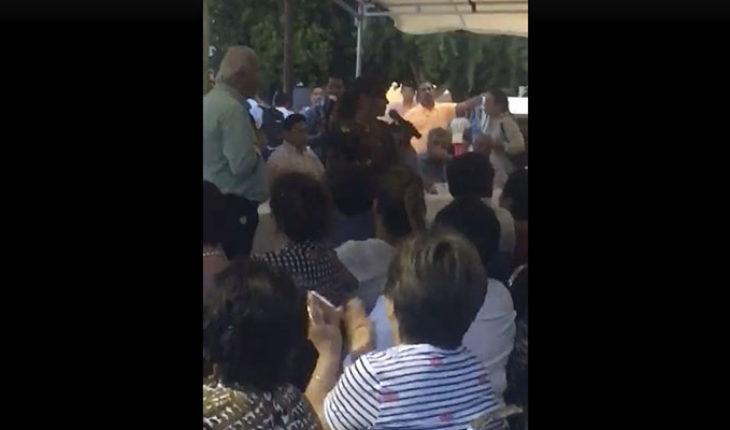 Así fue el regaño de la alcaldesa de Gómez Palacio a los habitantes por tirar basura (Video)