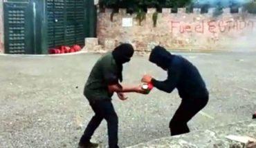 Atacan normalistas 35 Zona Militaren Chilpancingo