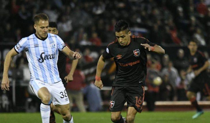 Atlético Tucumán derrotó a Newell's, que sigue sin ganar en Superliga