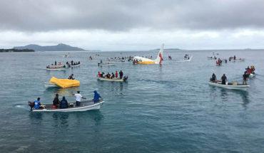 Avión se saltó la pista y aterrizó en una laguna en Micronesia: los ocupantes salieron ilesos