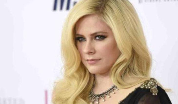 Avril Lavigne escribe carta a sus fans sobre enfermedad que padece
