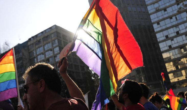 Casen 2017: más de 220 mil personas se identificaron como homosexuales