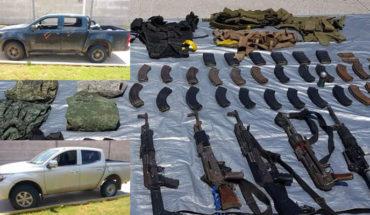 Cinco personas fueron detenidas con armas largas y vehículos en Antúnez, Michoacán