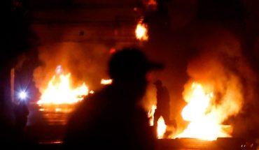 Cuatro carabineros y un civil fueron heridos por disparos durante disturbios en el 11 de septiembre