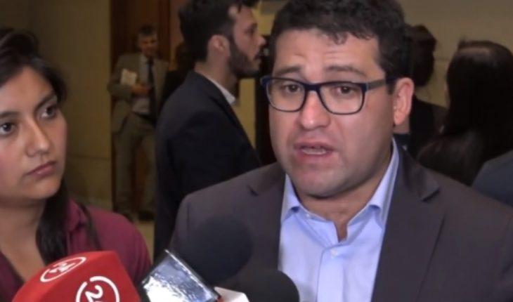 """Deudor que """"funó"""" a Sergio Bitar, le responde: """"Lo que el ex ministro no dice es que el CAE es un crédito ilegal"""""""