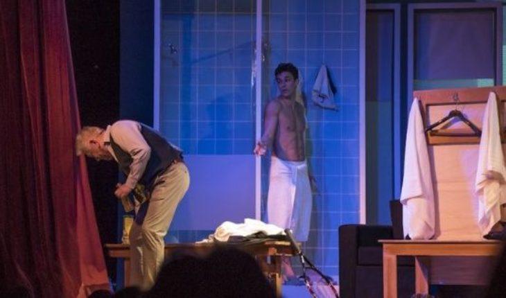 El desnudo de Mariano Martínez en el teatro