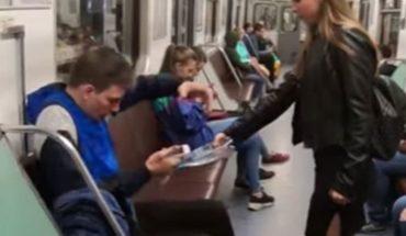 Feminista ataca con cloro a hombres por ir sentados en el metro (VIDEO)