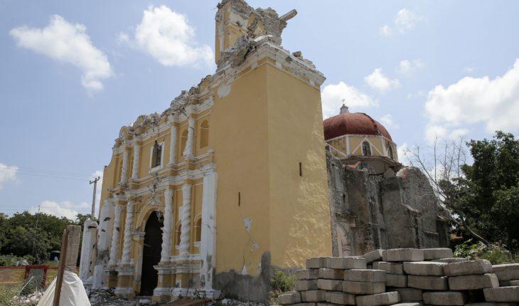 Habitantes de Atzala, Puebla, esperan reconstruir su iglesia y sus viviendas tras el 19S