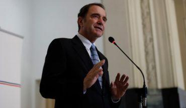 """Hernán Larraín y reforma a notarios: """"No es para que digan que se les acabó el negocio"""""""