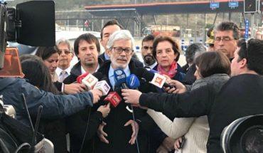 Ministro de Obras Públicas llamó a conductores a salir de Santiago después de las 14 horas