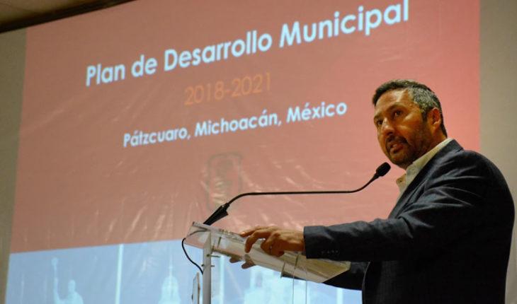 Presenta Víctor Báez plan de desarrollo municipal Pátzcuaro 2018-2021