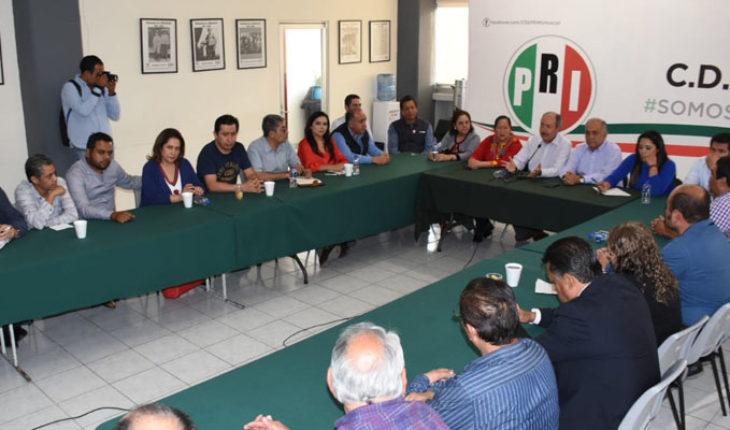 Presidente del CDE del PRI Michoacán Víctor Silva Tejeda, se reúne con secretarios del partido