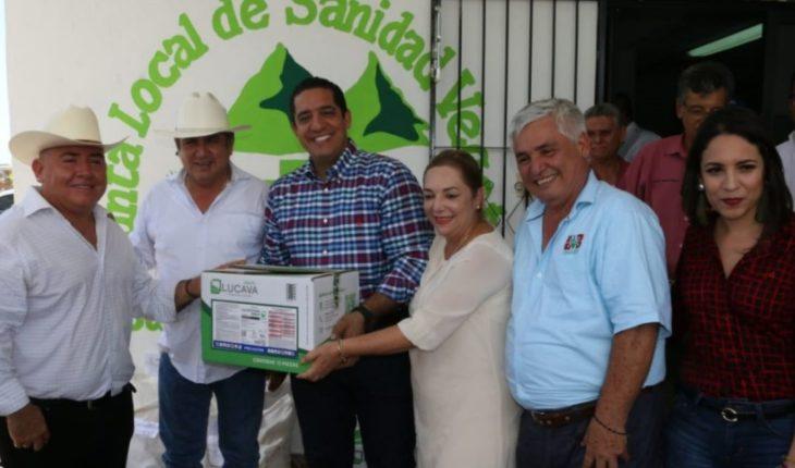 Prometen laboratorio de insectos benéficos a productores de Elota
